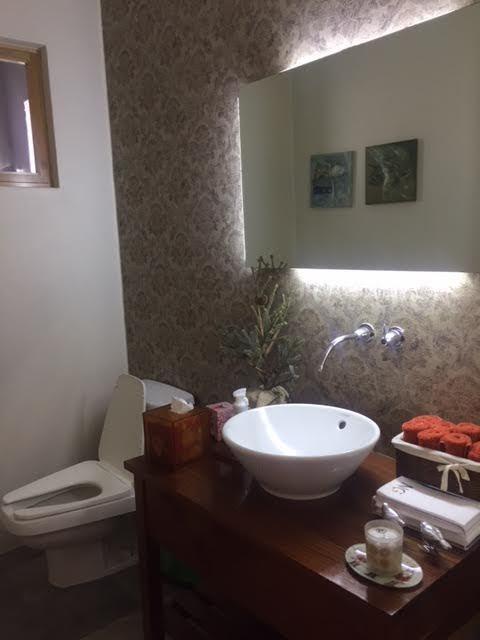 4 de 52: baño visitas