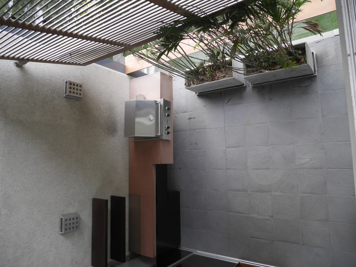 9 de 21: Vista a la terraza desde el segundo piso