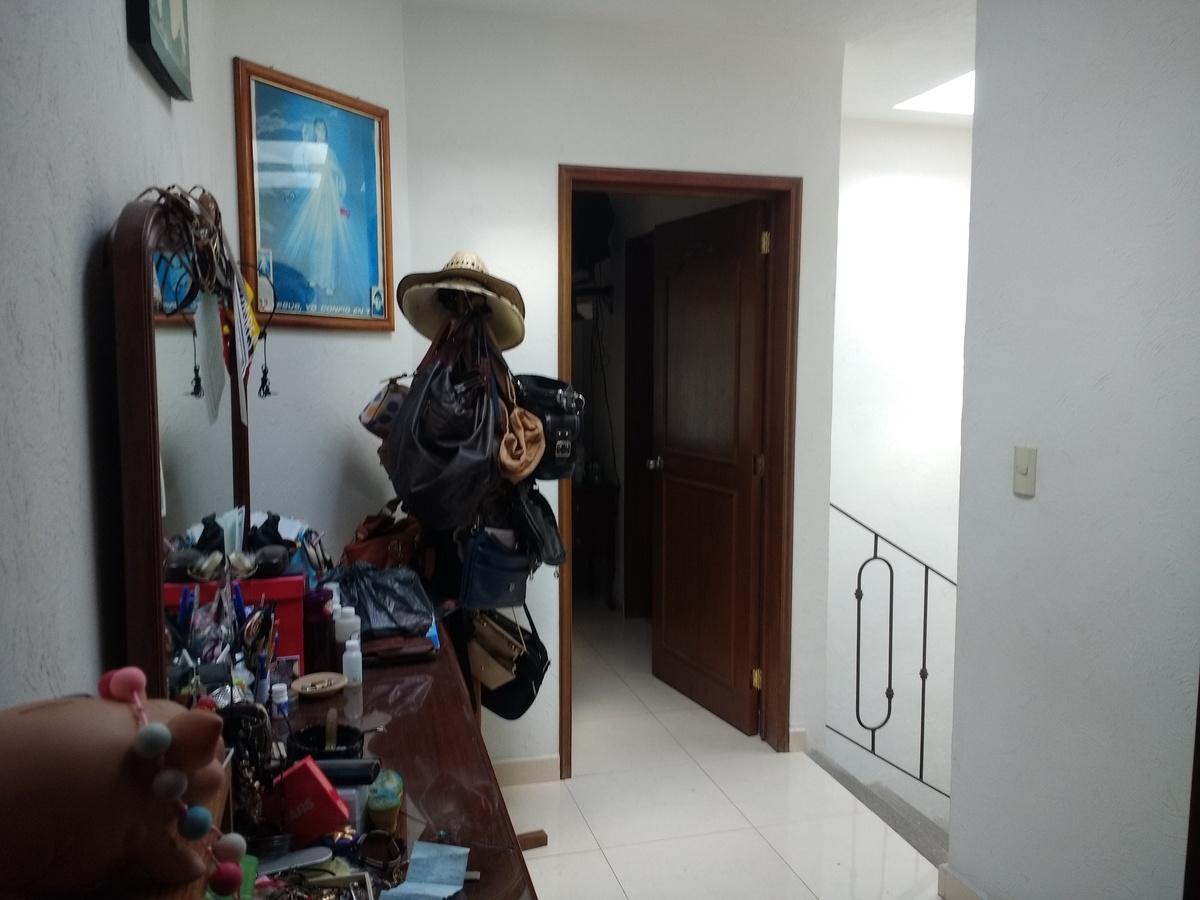 10 de 21: Recibidor parte superior. acceso a habitaciones.