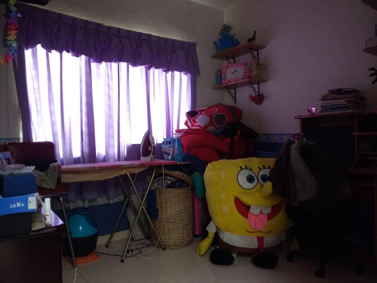 18 de 21: Habitación 3 con closet.