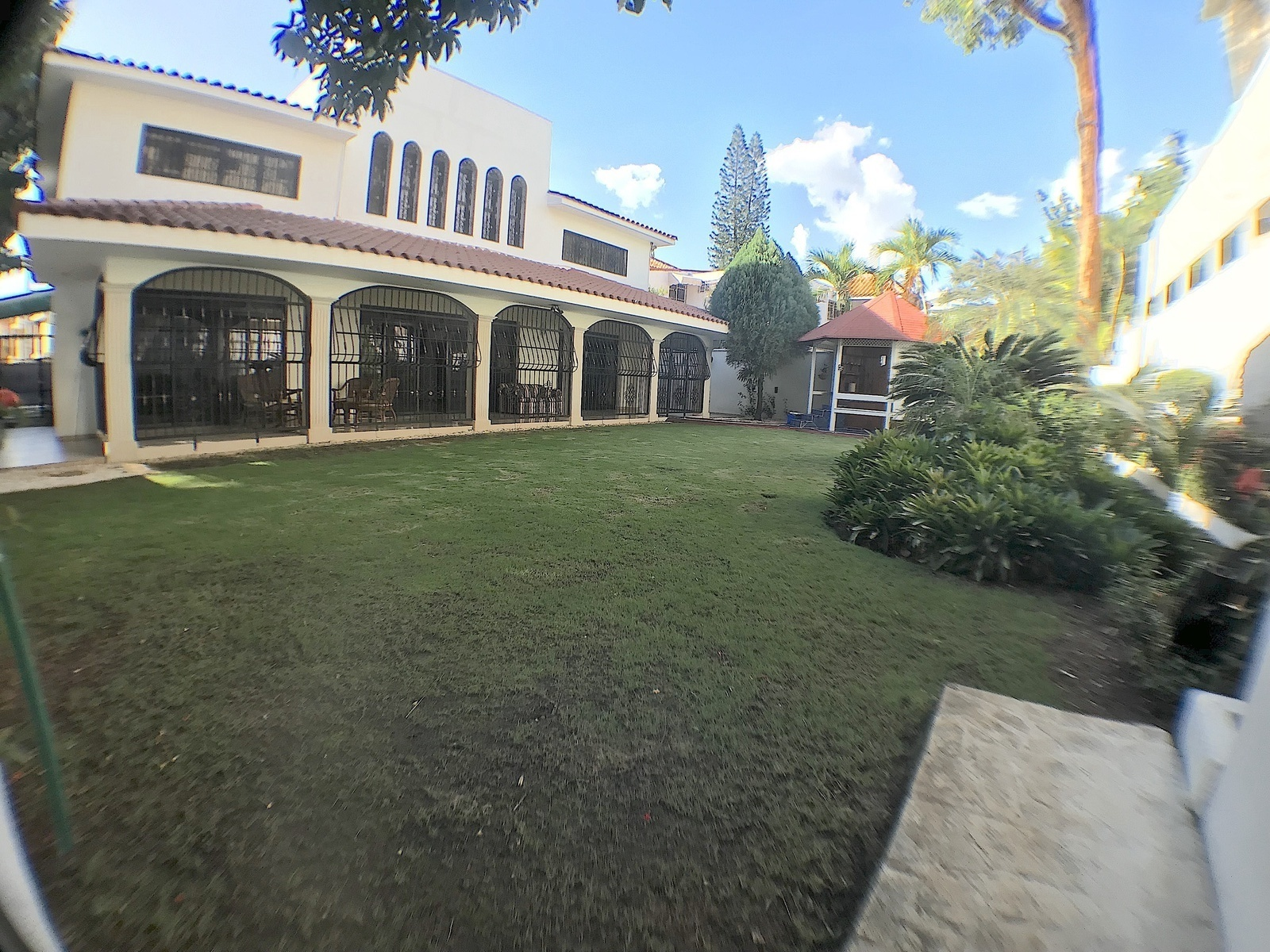 2 de 17: Patio con gasebo y Jacussy y amplia terraza