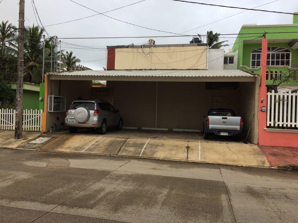 14 de 15: Estacionamiento techado