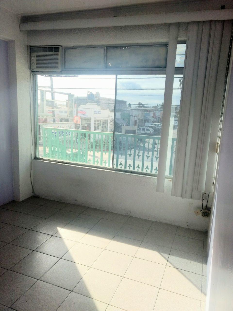 3 de 6: Vista del primer consultorio hacia el blvd. Lopez Portillo