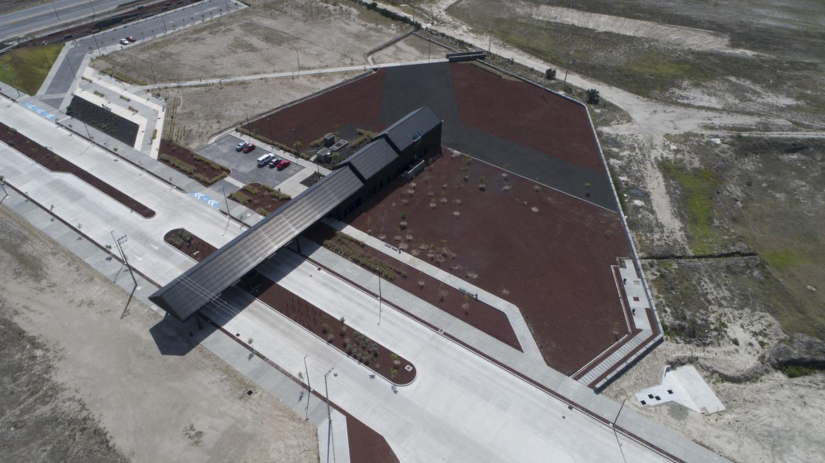 4 de 18: Vista Area del Desarrollo