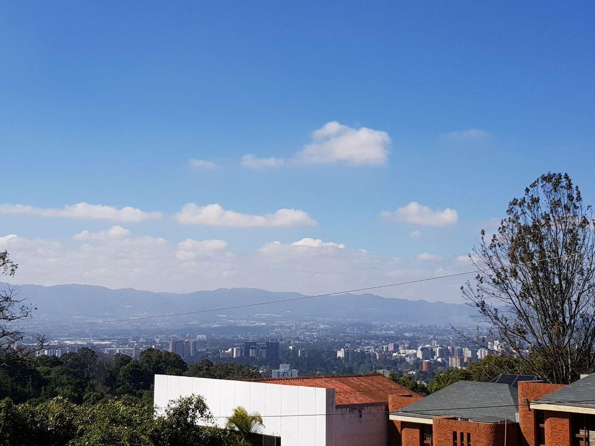 11 de 11: Vista hacia volcanes
