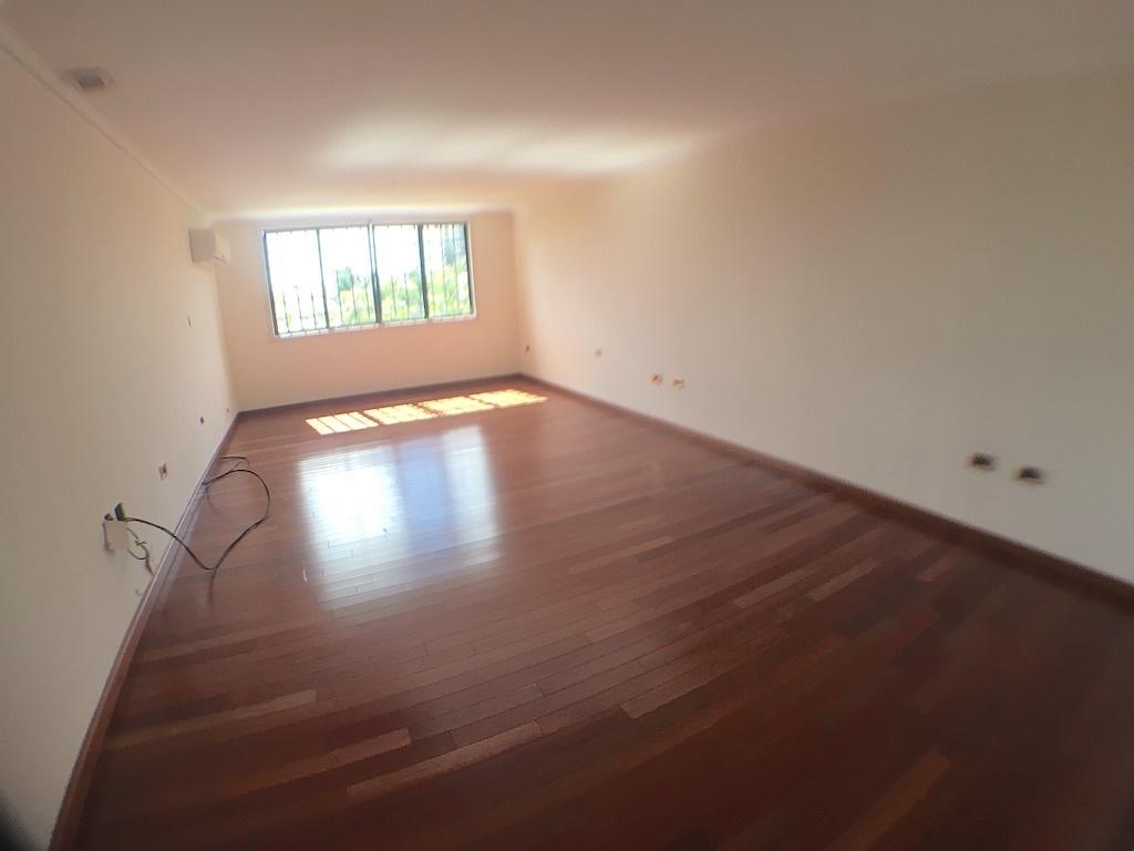 5 de 20: amplia habitación principal con piso en madera
