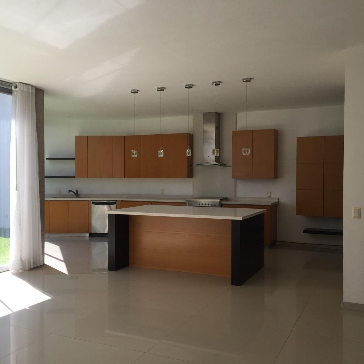 8 de 43: amplia cocina con lavavajillas
