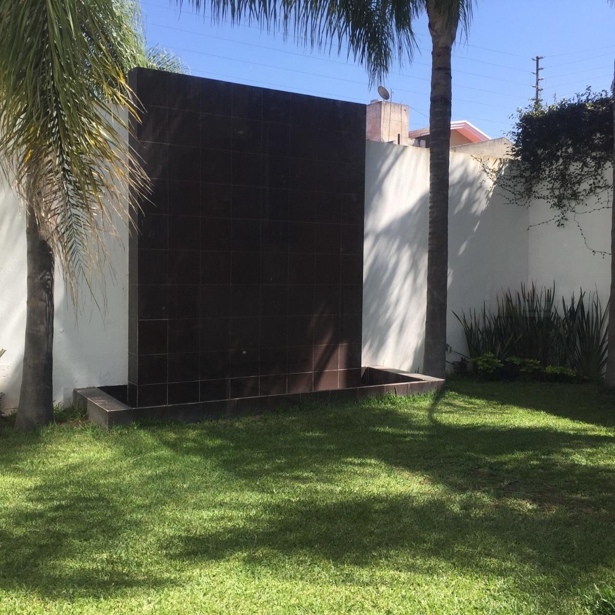 42 de 43: muro llorón en jardín