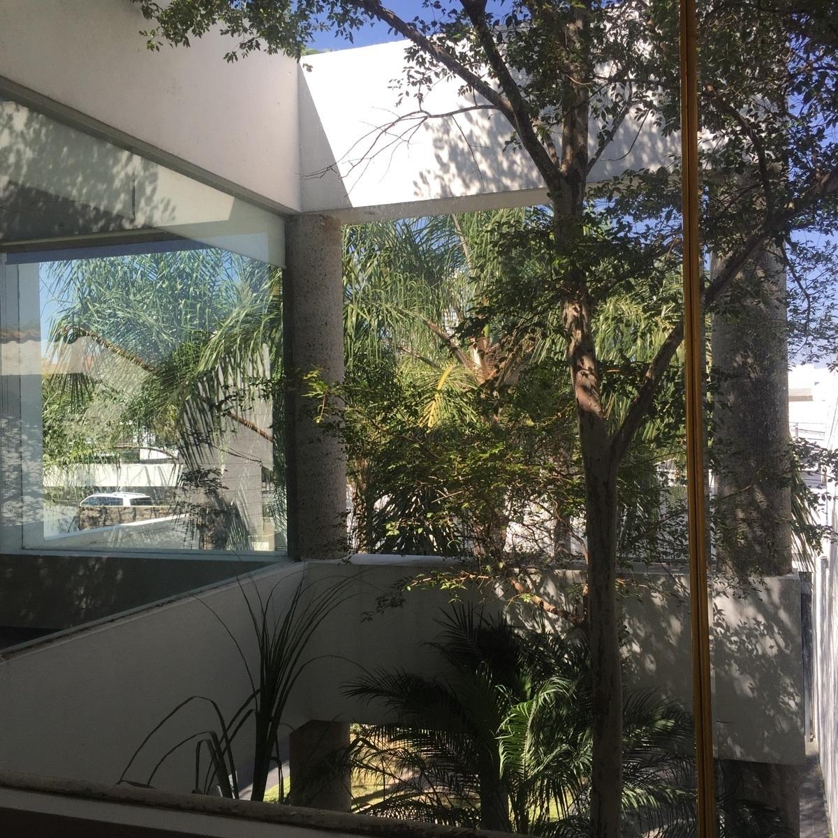 24 de 43: vista desde las recámaras dos y tres a jardín interior
