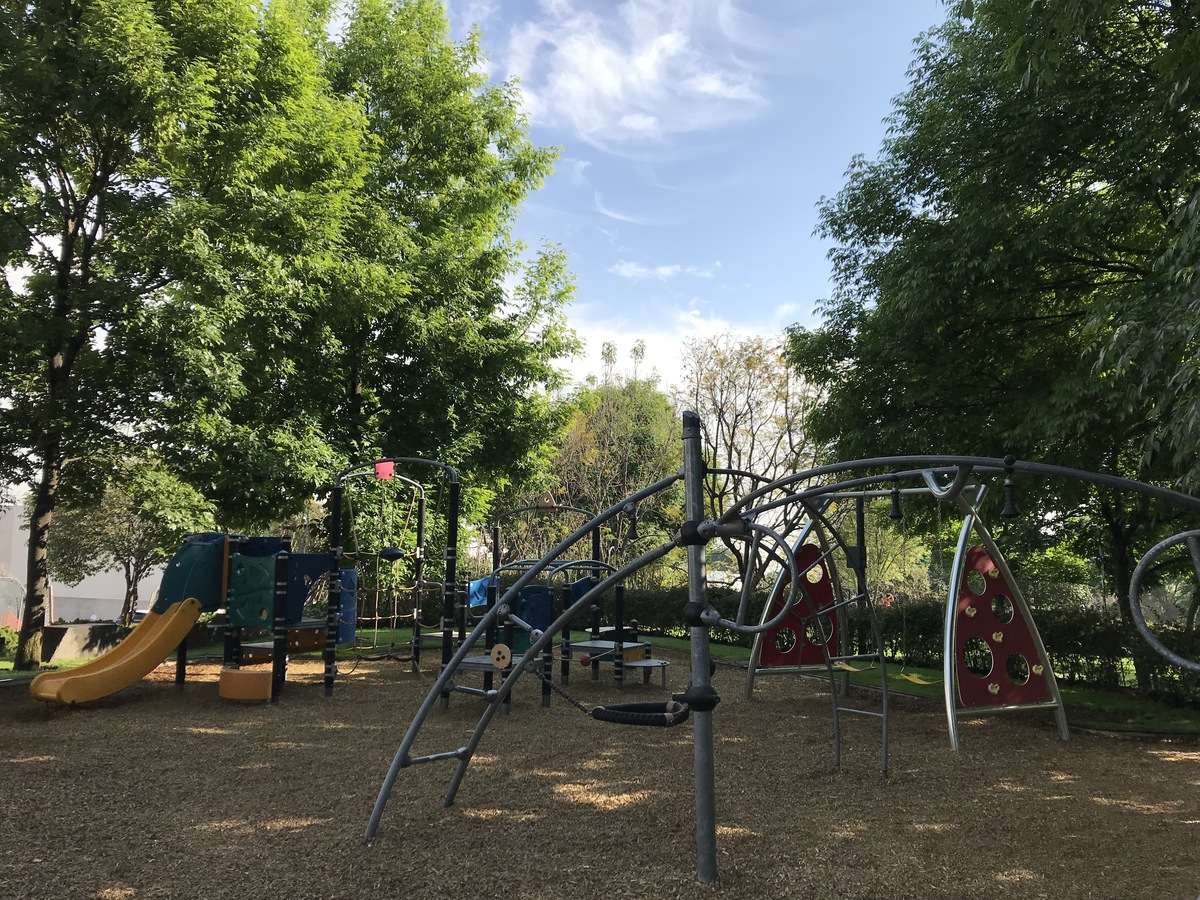 10 de 11: Area de Juegos infantiles