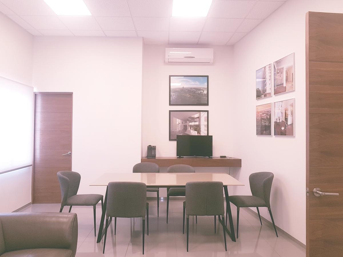 17 de 19: Área común-oficina/mesa de trabajo