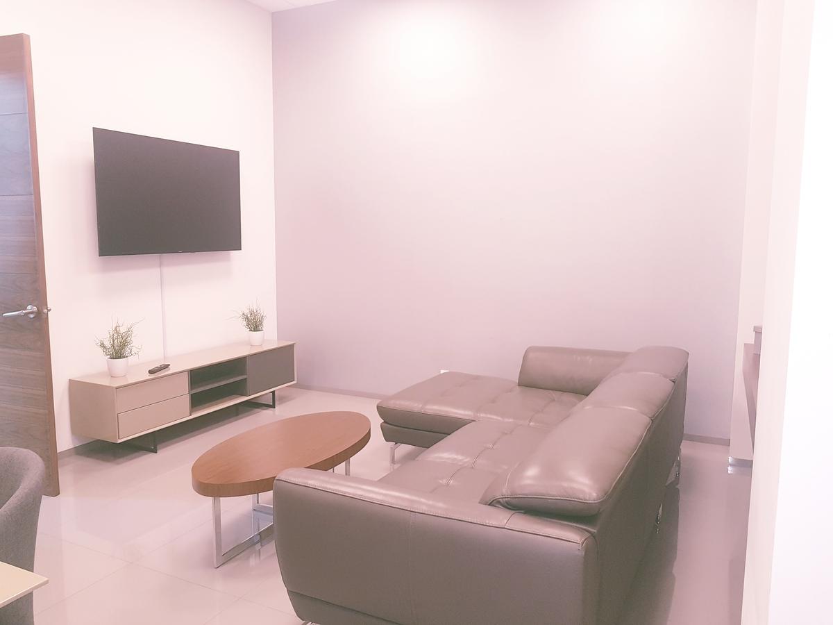 18 de 19: Área común-Oficina/sala