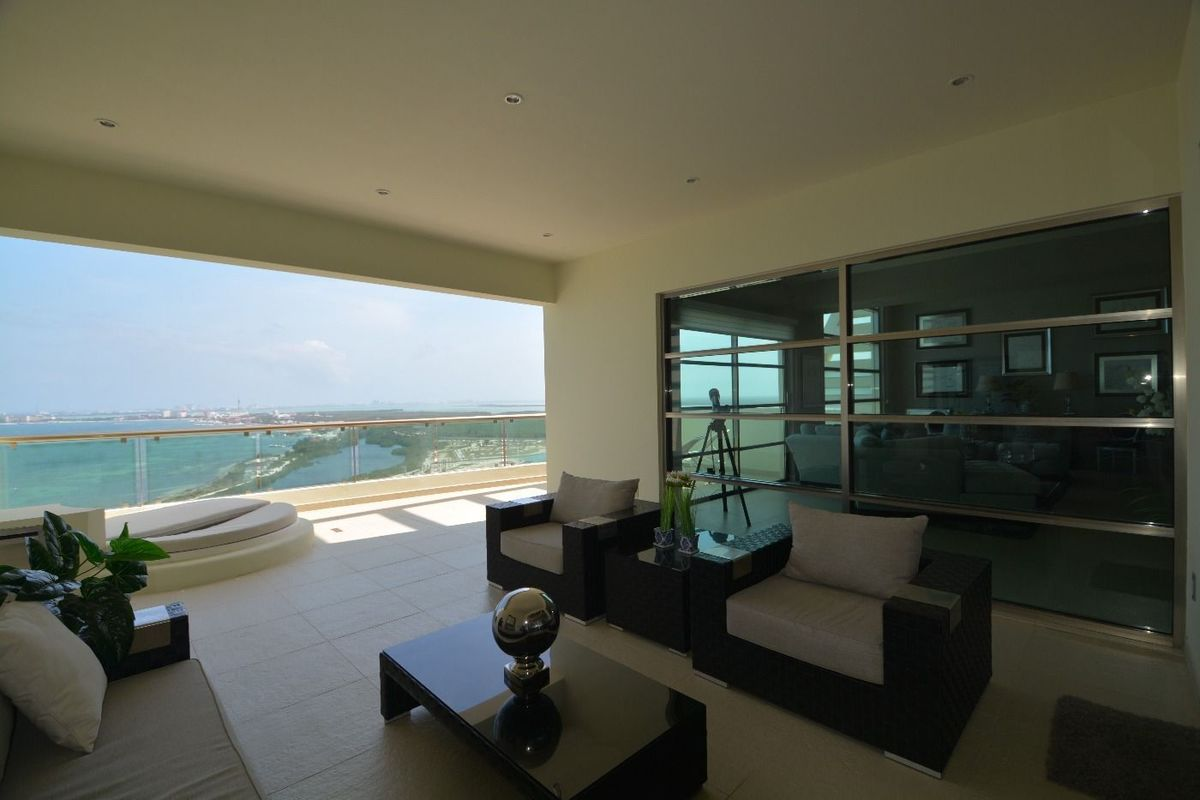 8 de 22: amplia terraza con vista al mar