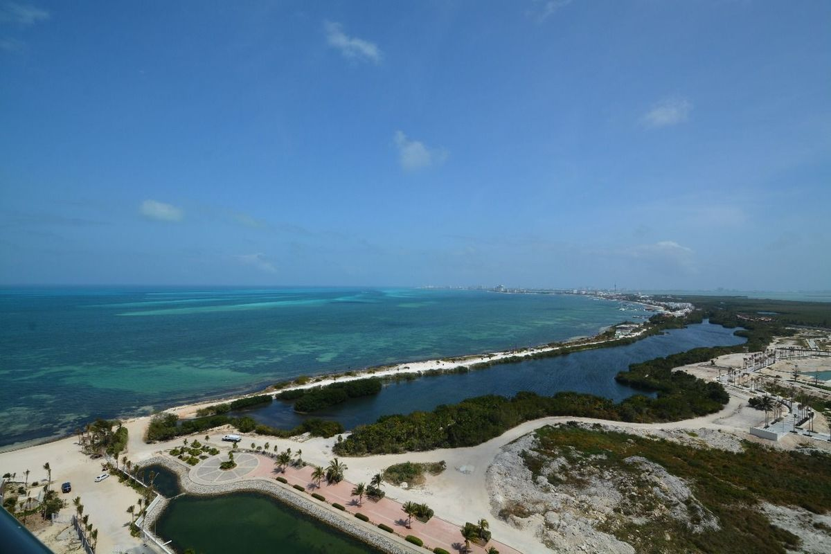 10 de 22: puerto cancun