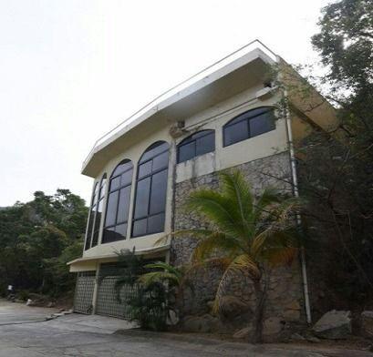 19 de 51: residencia en venta zona dorada