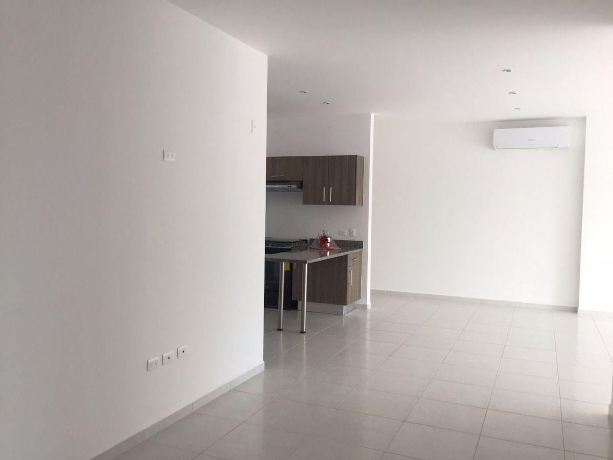 7 de 24: amplio departamento en residencial soho
