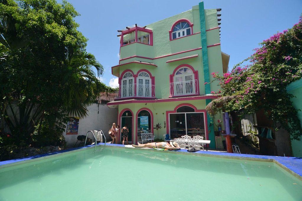 1 de 23: Hostel en venta Cancun Centro