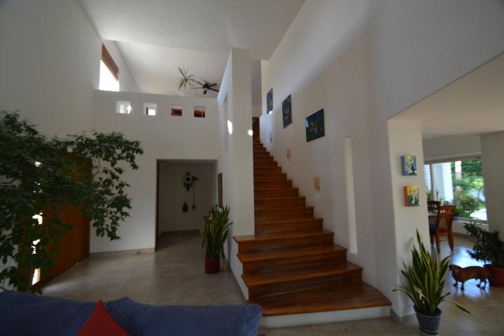 4 de 25: Casa de dos niveles
