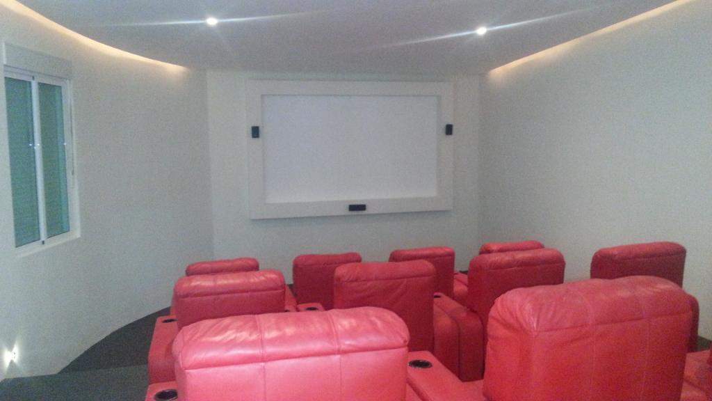 18 de 23: Sala de cine