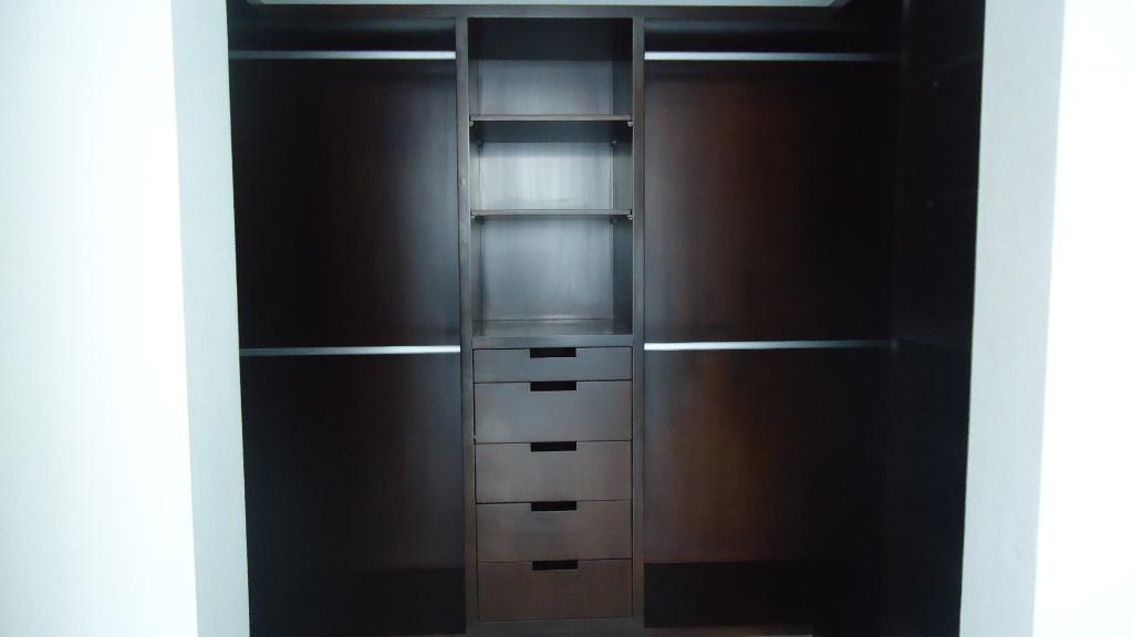 22 de 26: armario