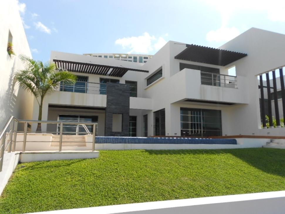 10 de 28: Amplia villa de lujo en Puerto Cancun