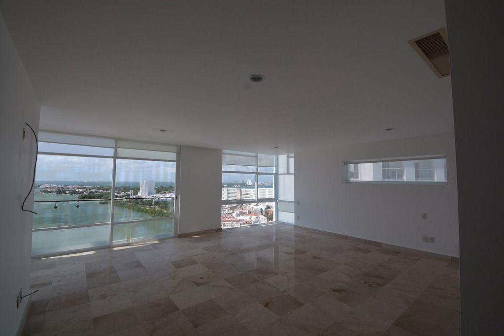 9 de 17: Venta en Punta Cancun