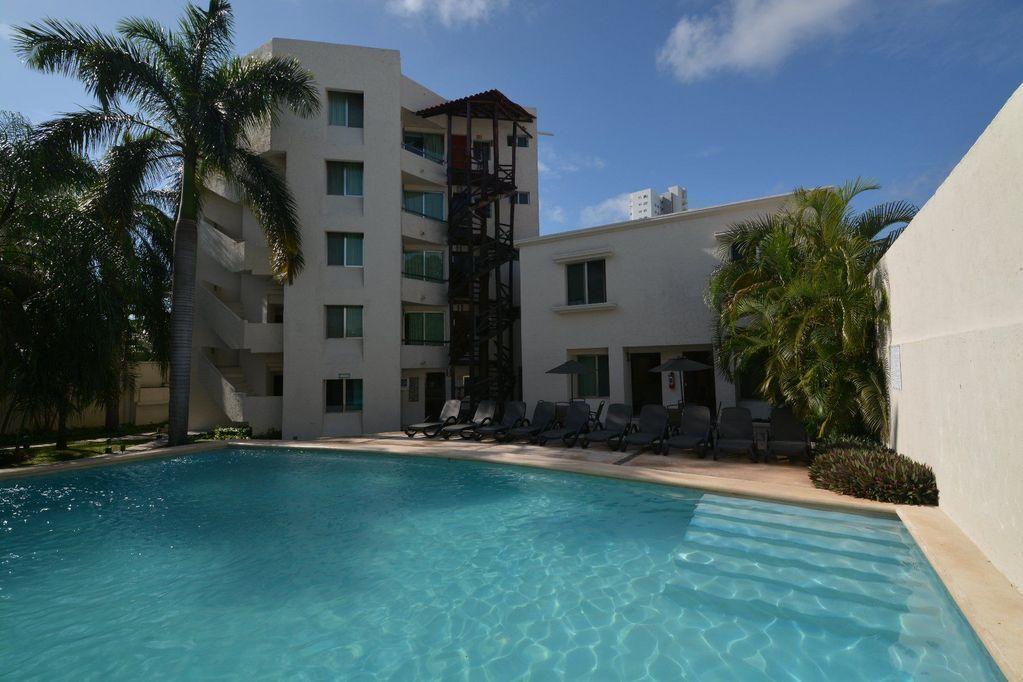 1 de 18: Hotel en Venta Cancun