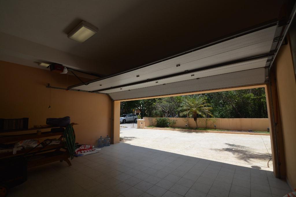 3 de 25: Garage