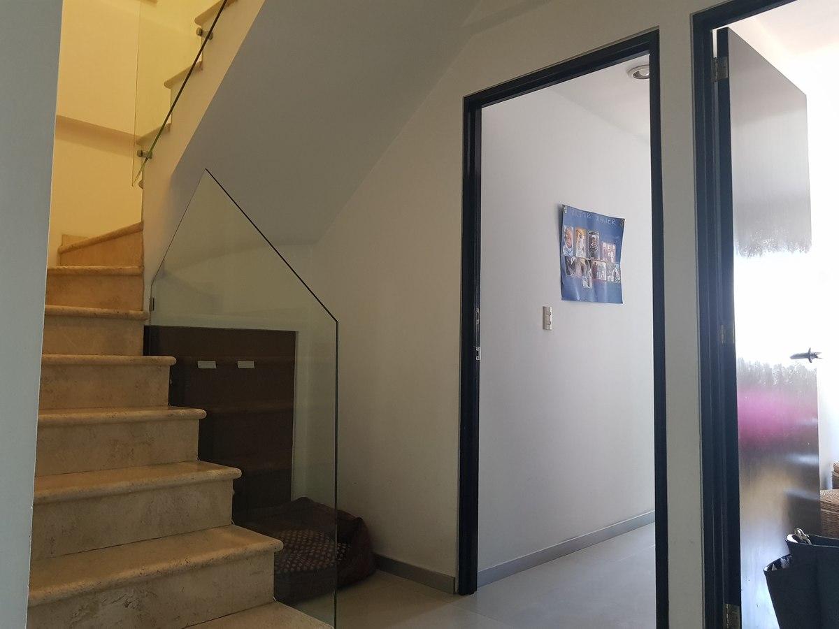 9 de 19: Escaleras