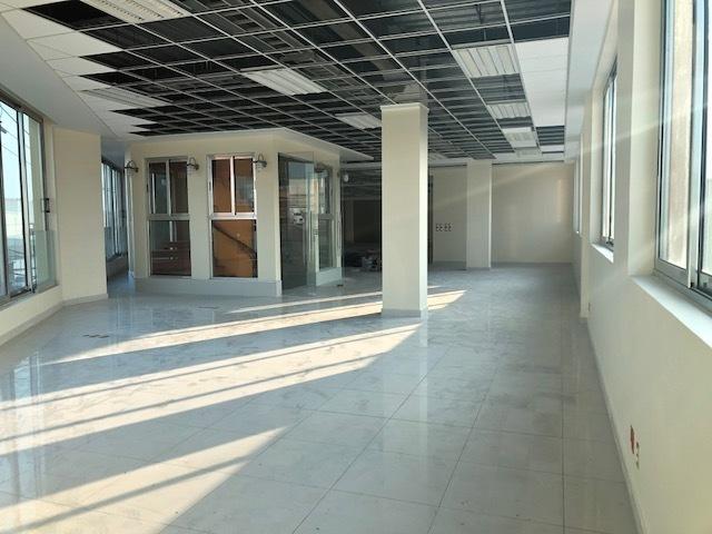 3 de 13: Vista de adentro hacia afuera del primer piso