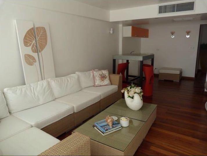6 de 25: Living Room
