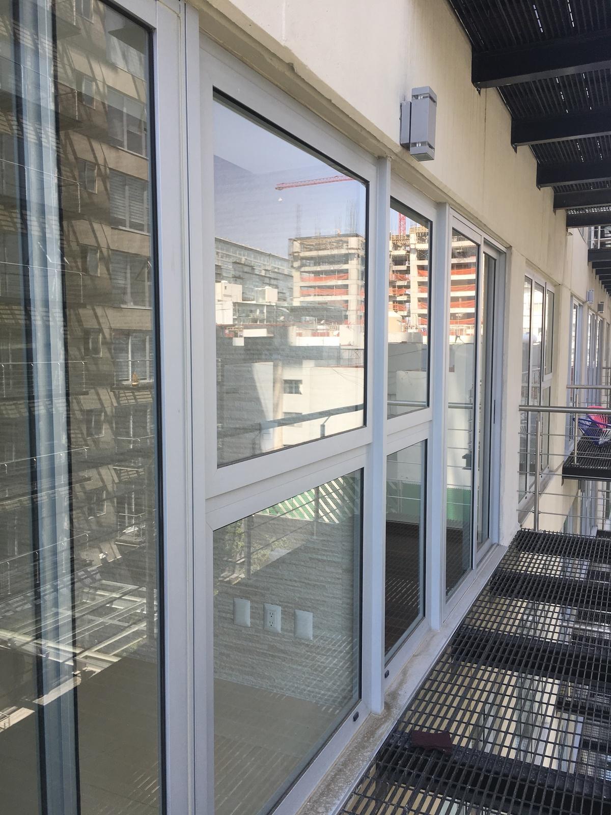11 de 18: Balcón