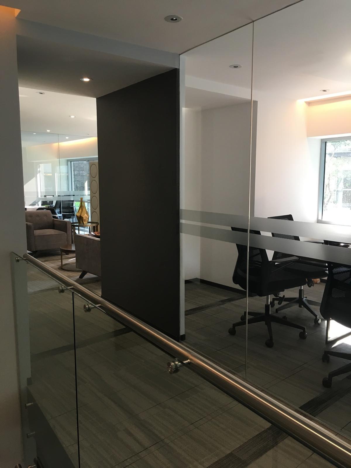 15 de 18: Business center
