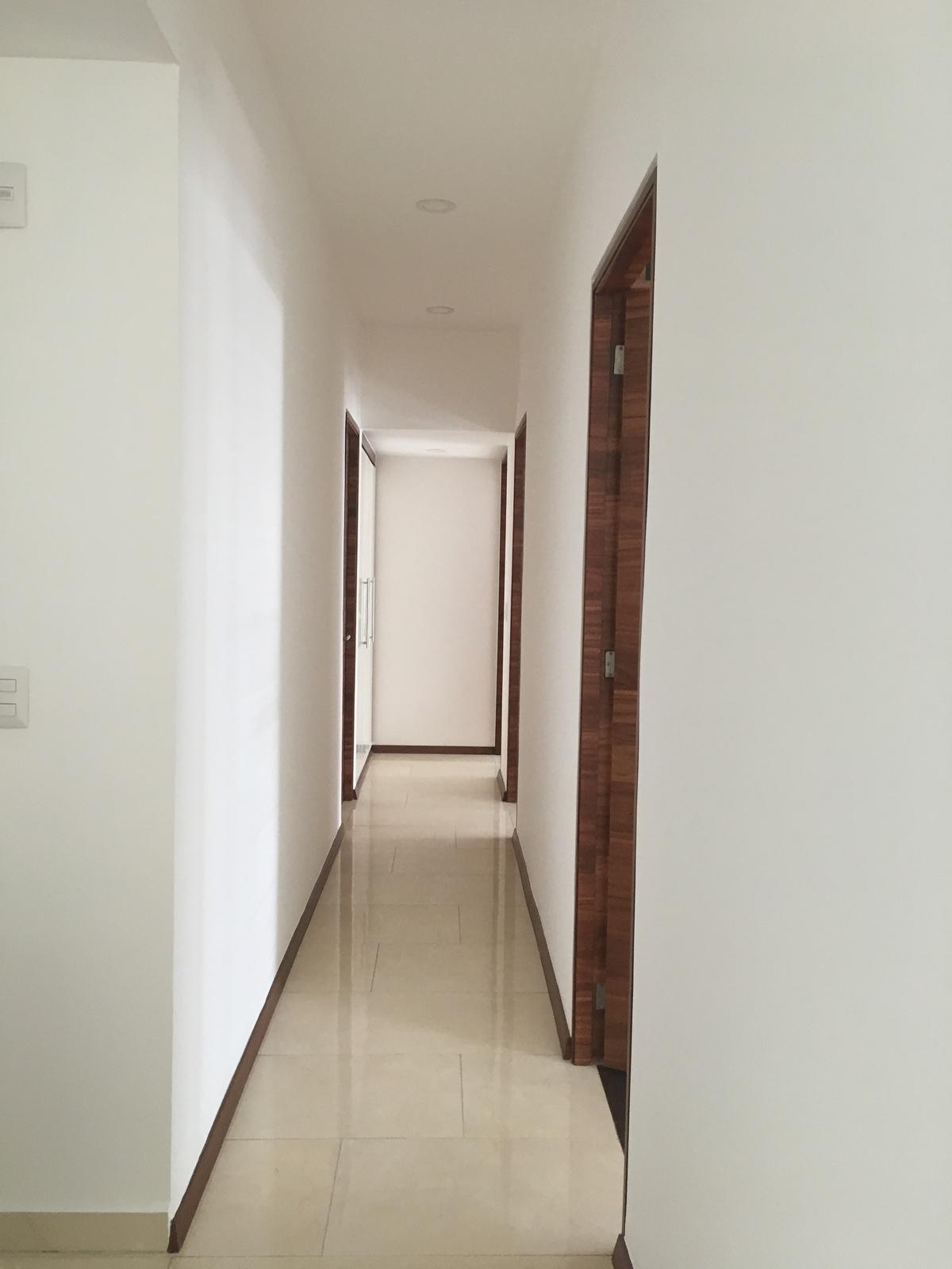 8 de 18: Pasillo habitaciones