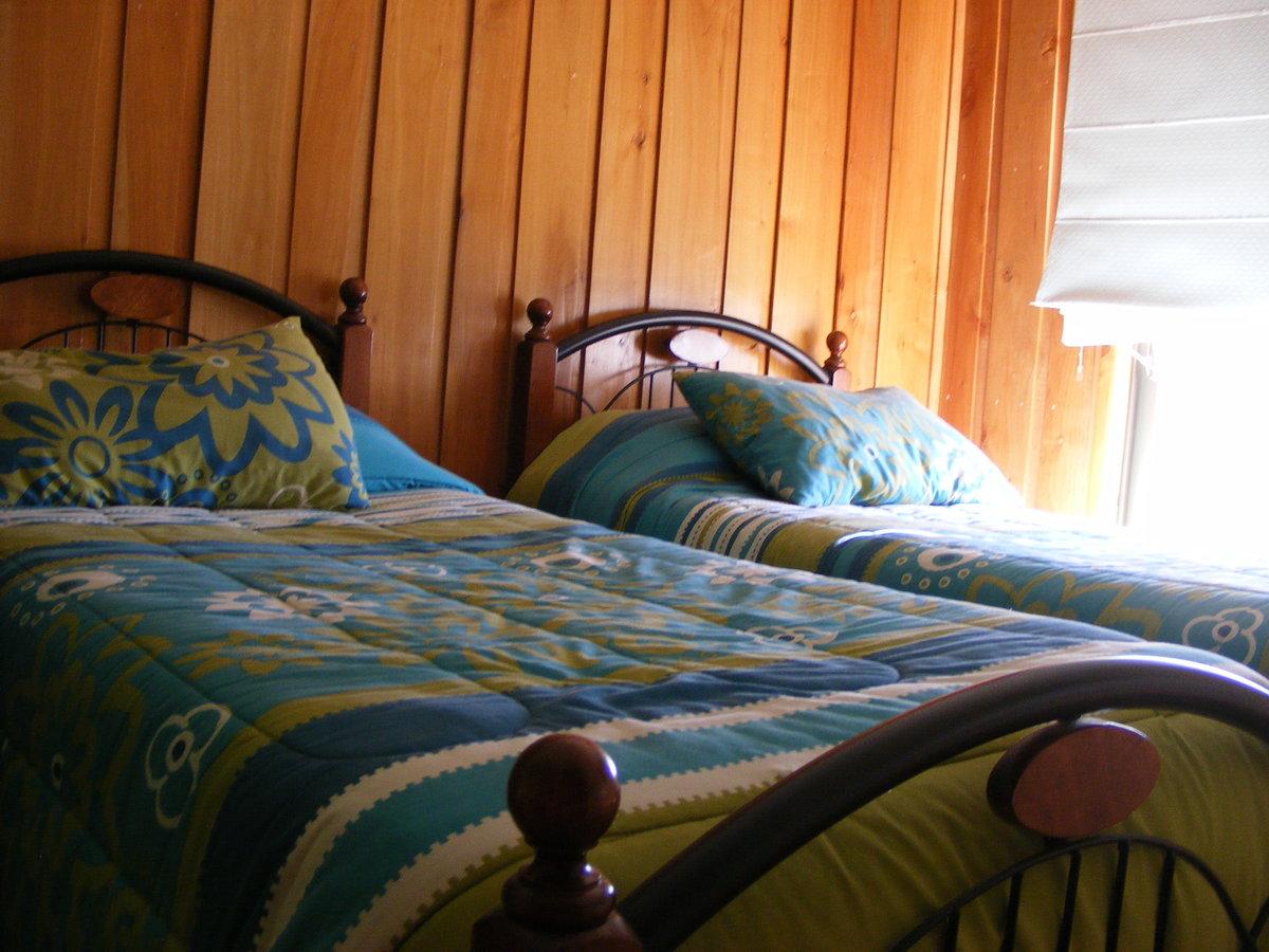 10 de 23: Dormitorio 2