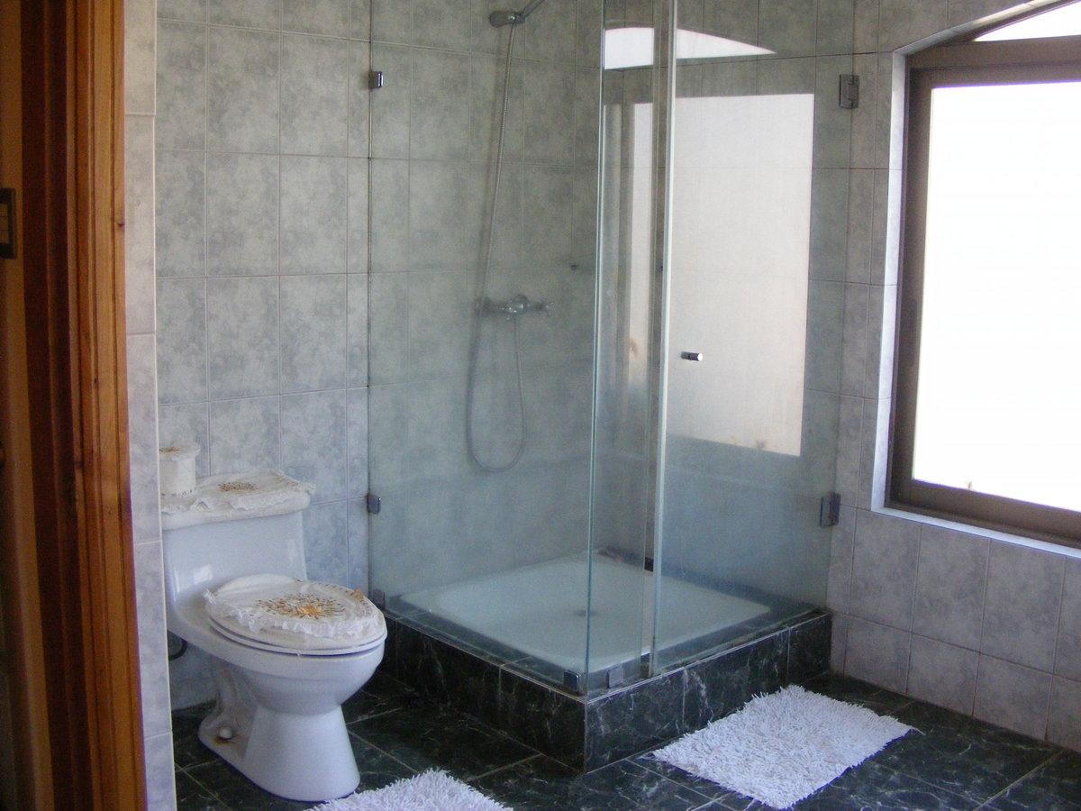 14 de 23: Baño suite