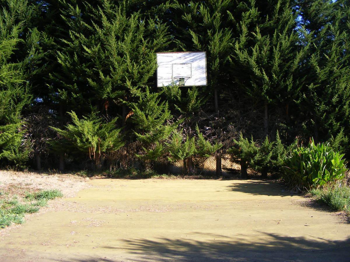 20 de 23: Mini cancha basquetbol.