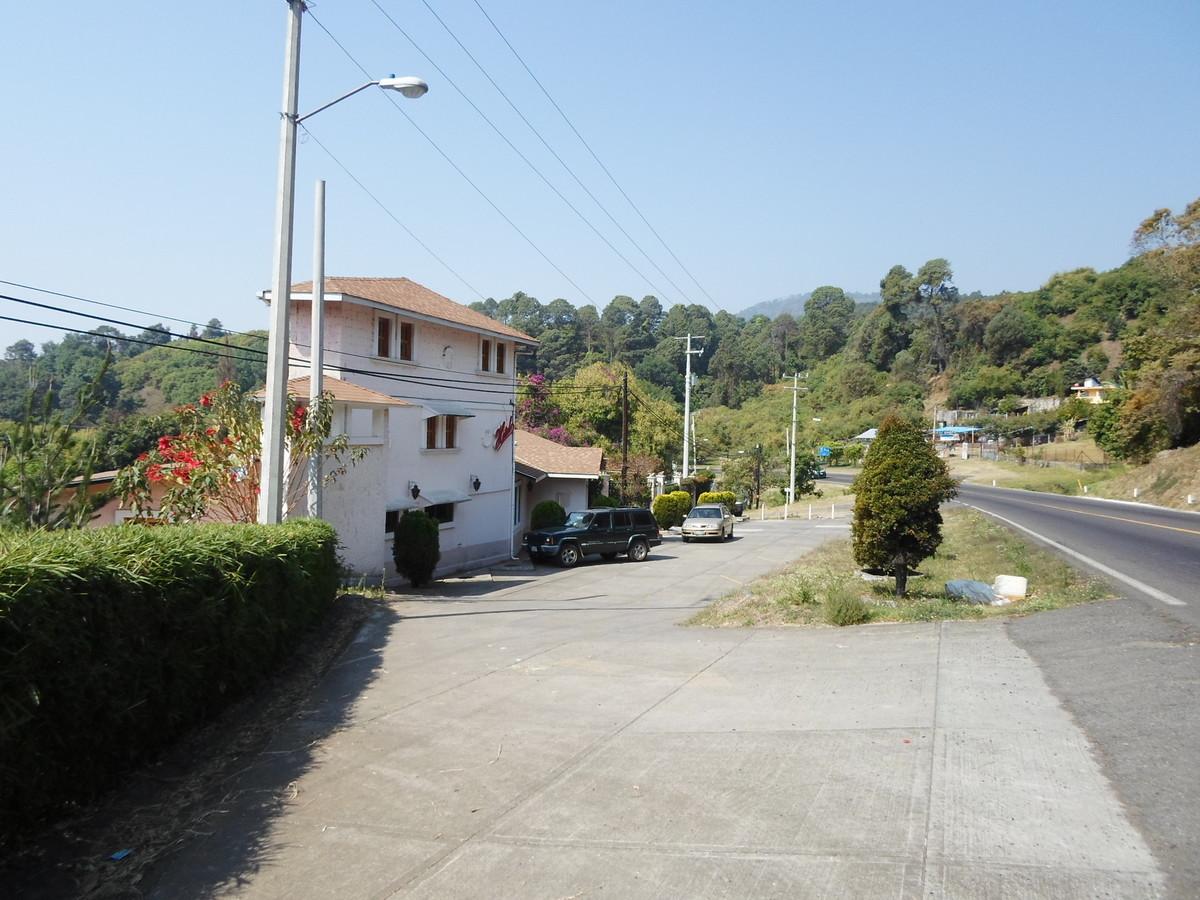 1 de 42: Vista de la carretera del Hotel
