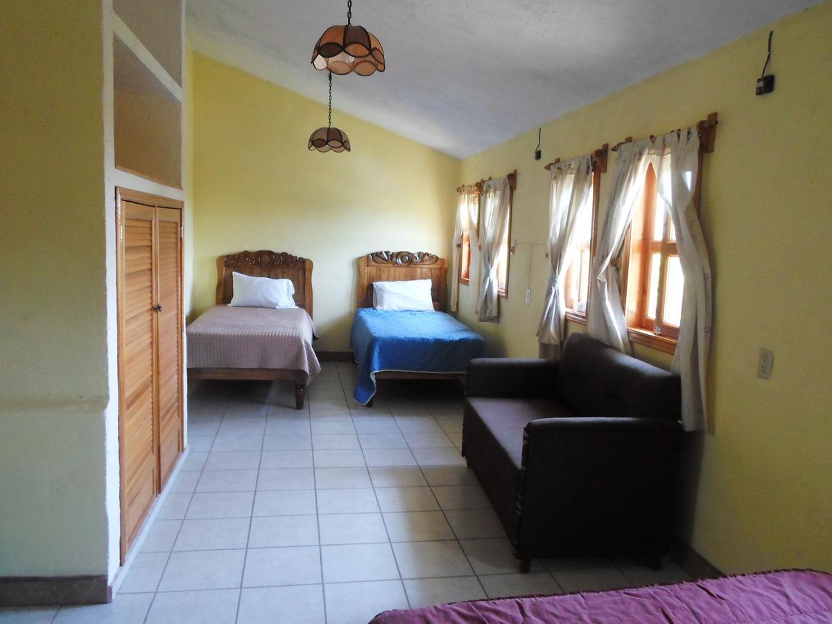 21 de 42: Habitaciones 4 camas