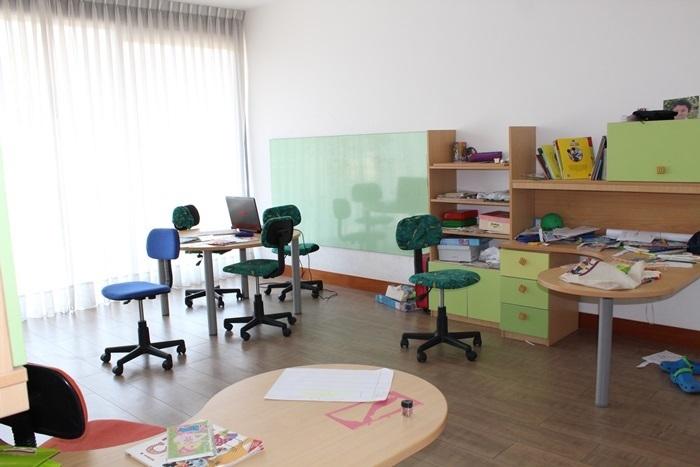 15 de 27: Sala de Estudio Niños