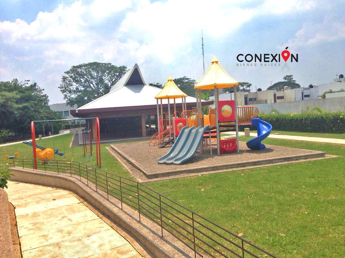 11 de 12: Área de Juegos Infantiles.