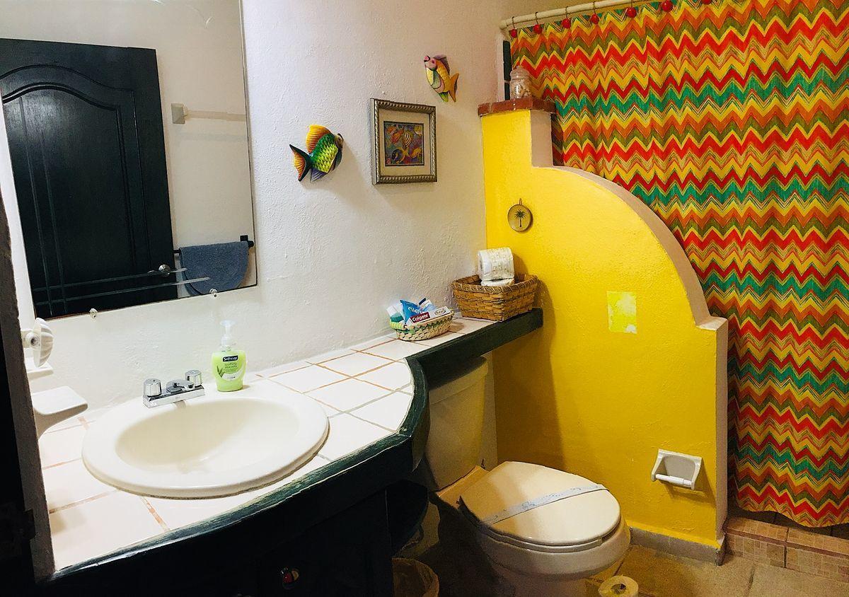8 of 15: 3 piece bathroom