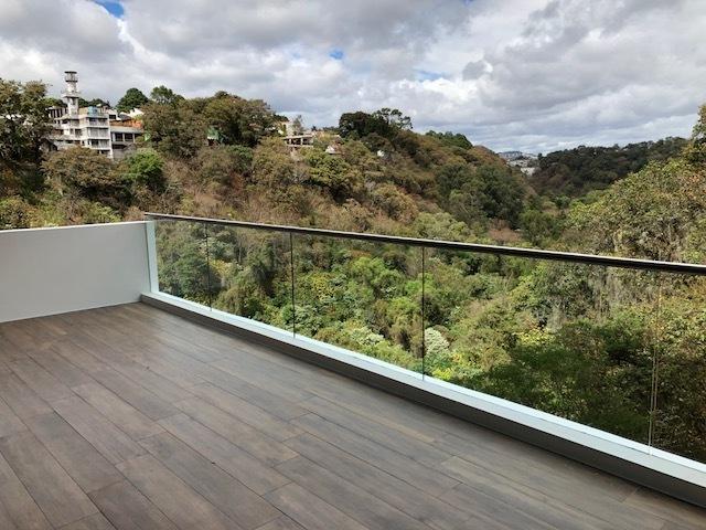 3 de 9: Balcón