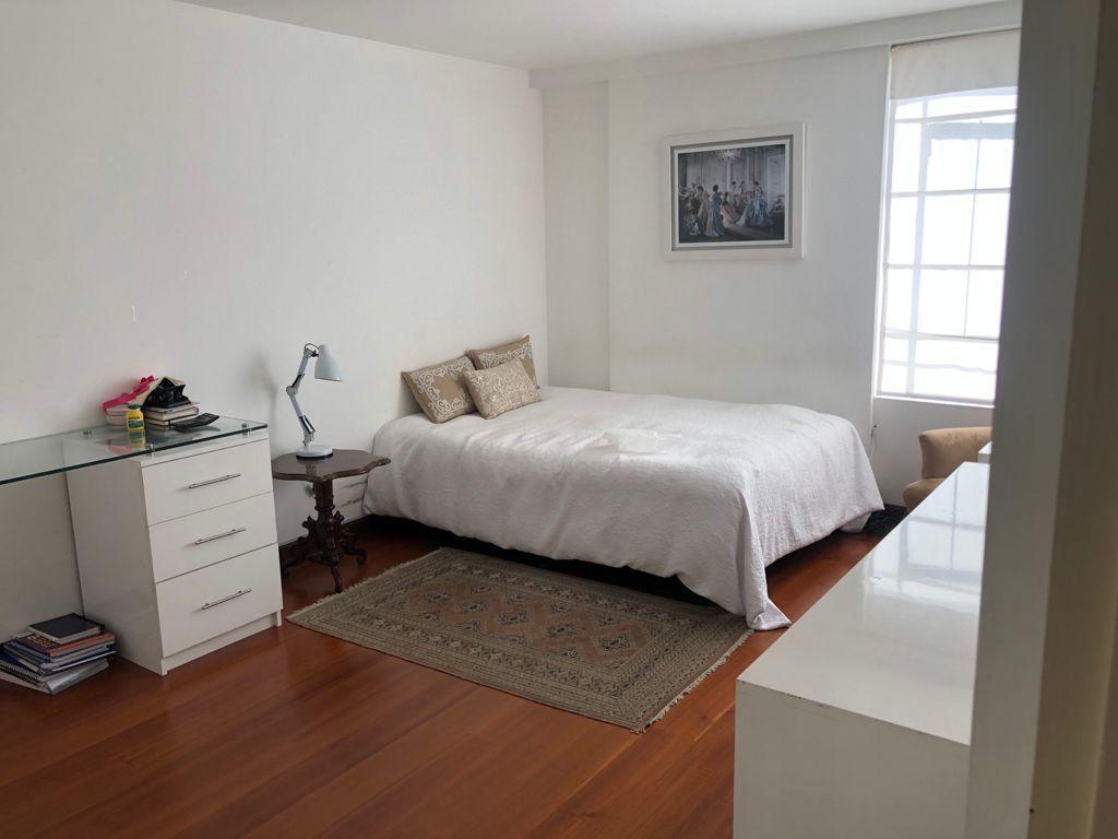 16 de 19: Dormitorio con closet en el segundo piso.