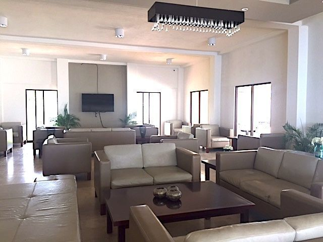 5 de 16: Salas lounge para recibir a tus visitas en área común