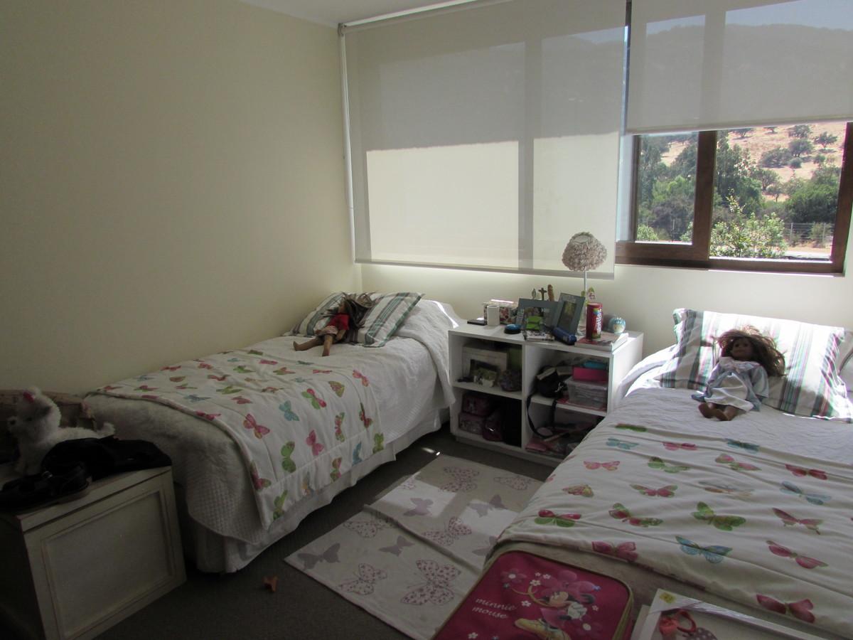 12 de 19: Dormitorio suite segundo piso