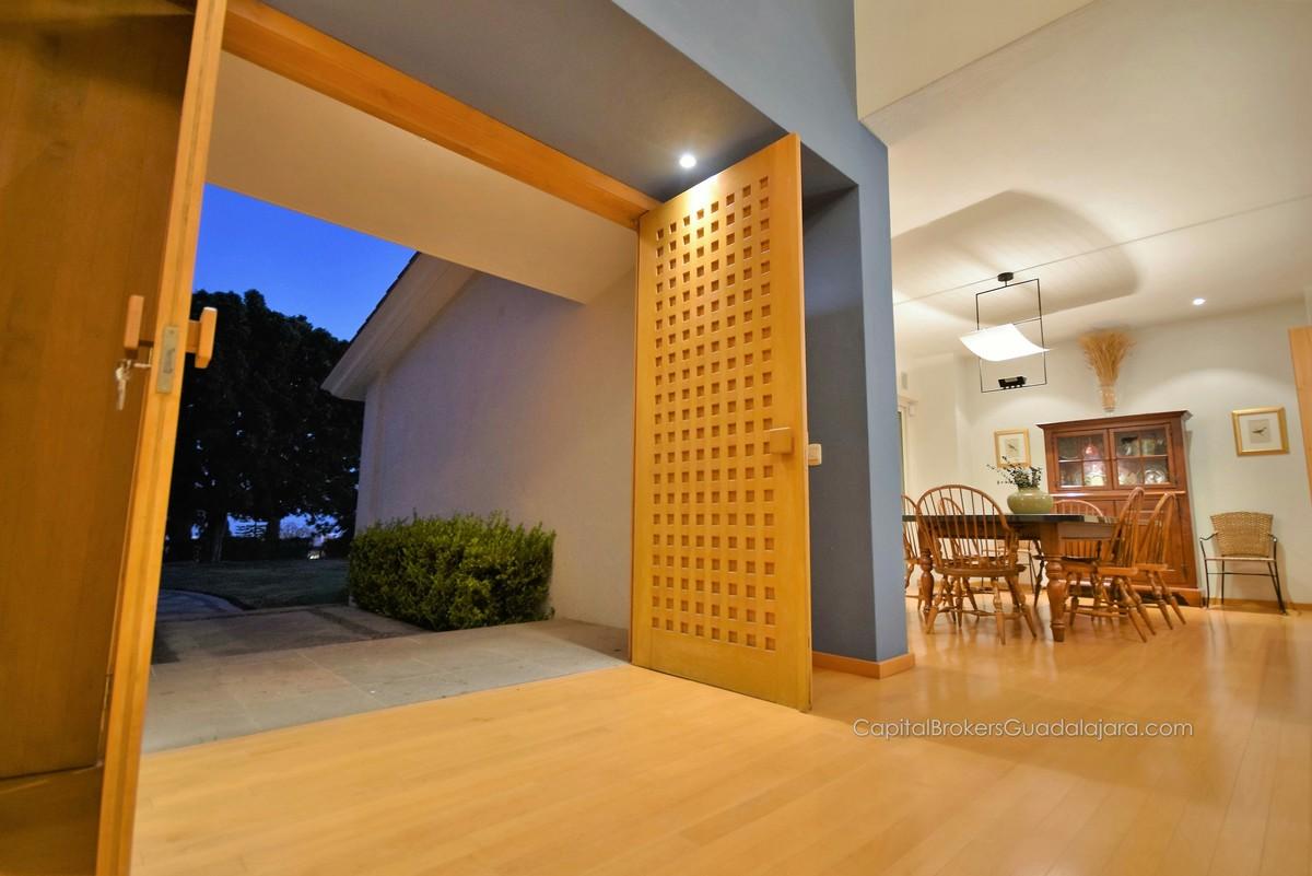 Casa De 4 Recamaras 8 Estacionamientos Alberca Lujo El