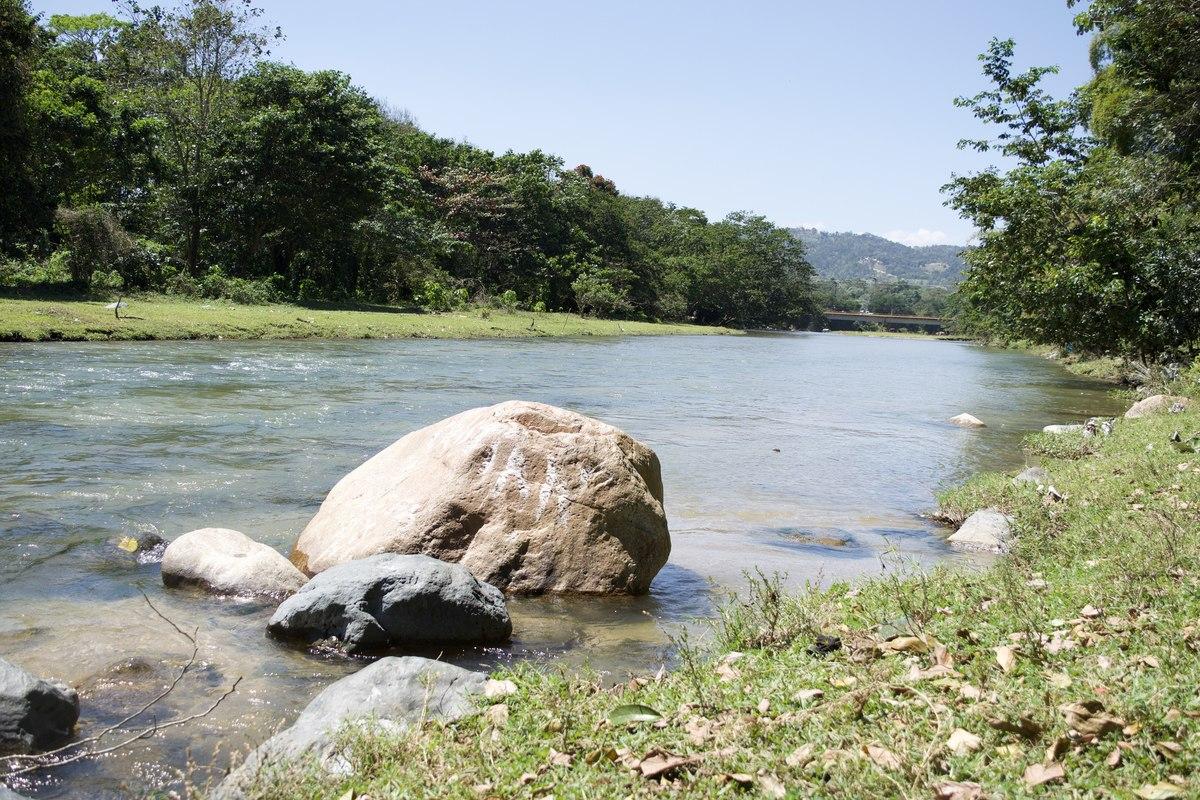 4 de 10: Río Jimenoa acceso cercano desde las Villas