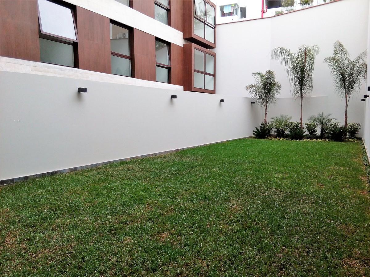 10 de 31: Jardín interior área común