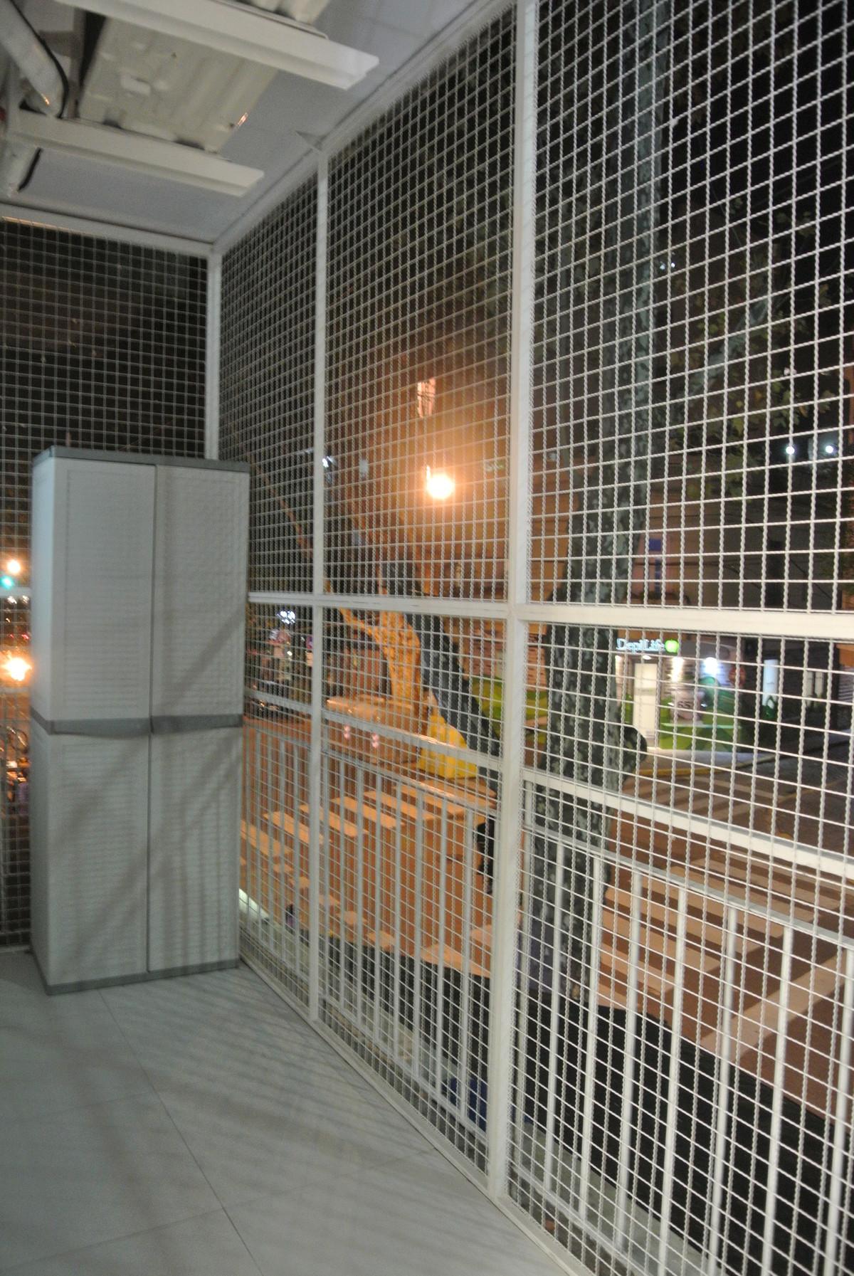 19 de 27: balcon placard de enseres
